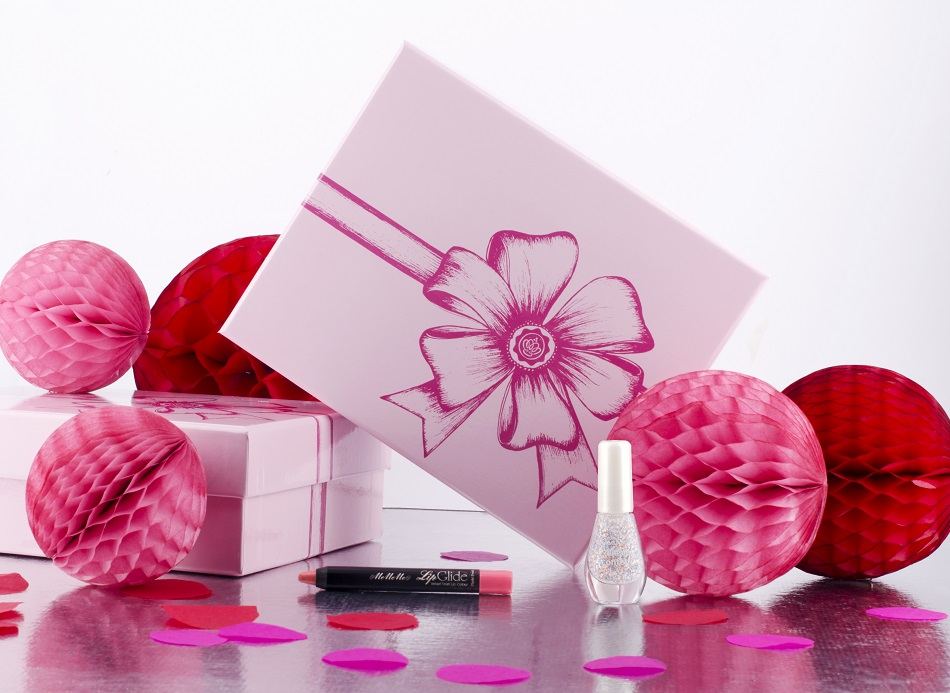 06_GLOSSYBOX_Love is in the Air