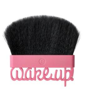 essence-wake-up-spring-blush-brush